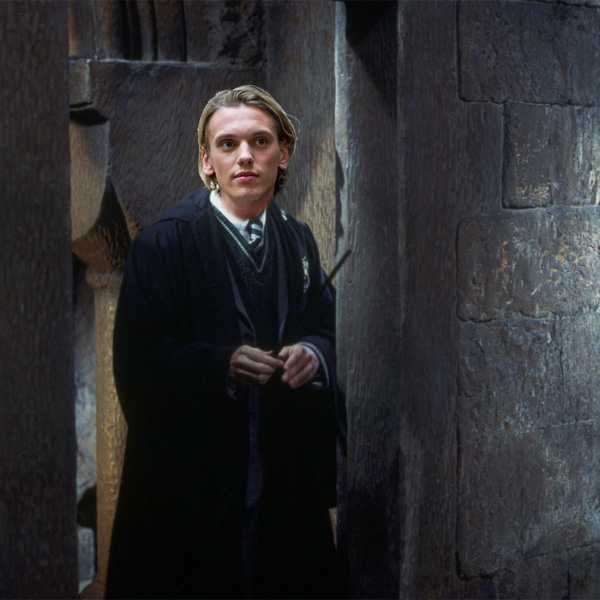 Harry potter karakterlerinin lmeden nceki son s zleri for Harry potter grindelwald wand