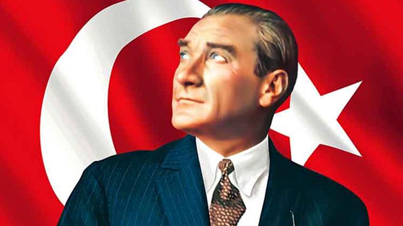 Ümit Kocasakal: Atatürk'e saldırmanın dayanılmaz küstahlığı