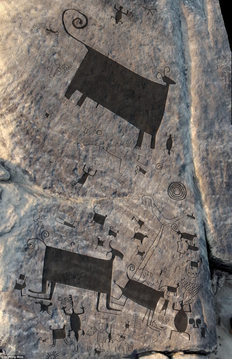 İki bin yıllık devasa petroglifler