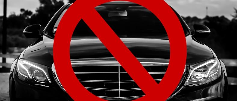 Türkmenistanda Siyah Otomobil Kullanmak Yasaklandı