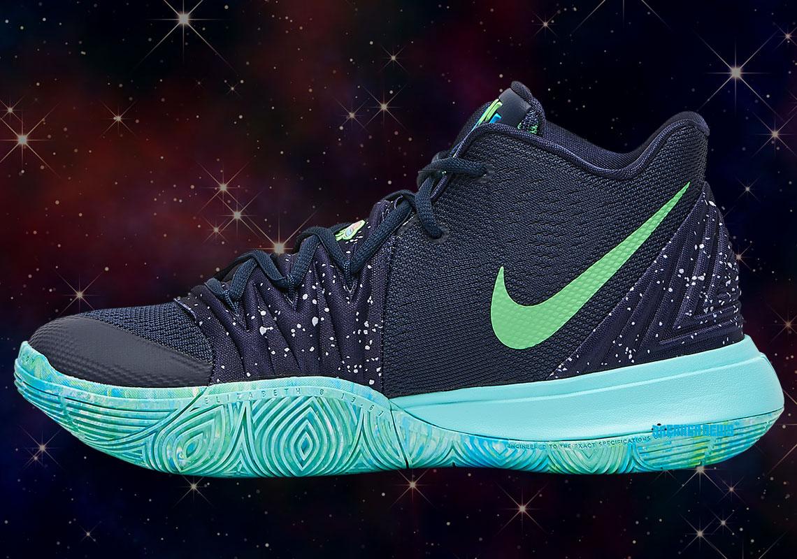 Nikeın Düz Dünyacıları Kafaya Aldığı Yeni Tasarım Ayakkabıs