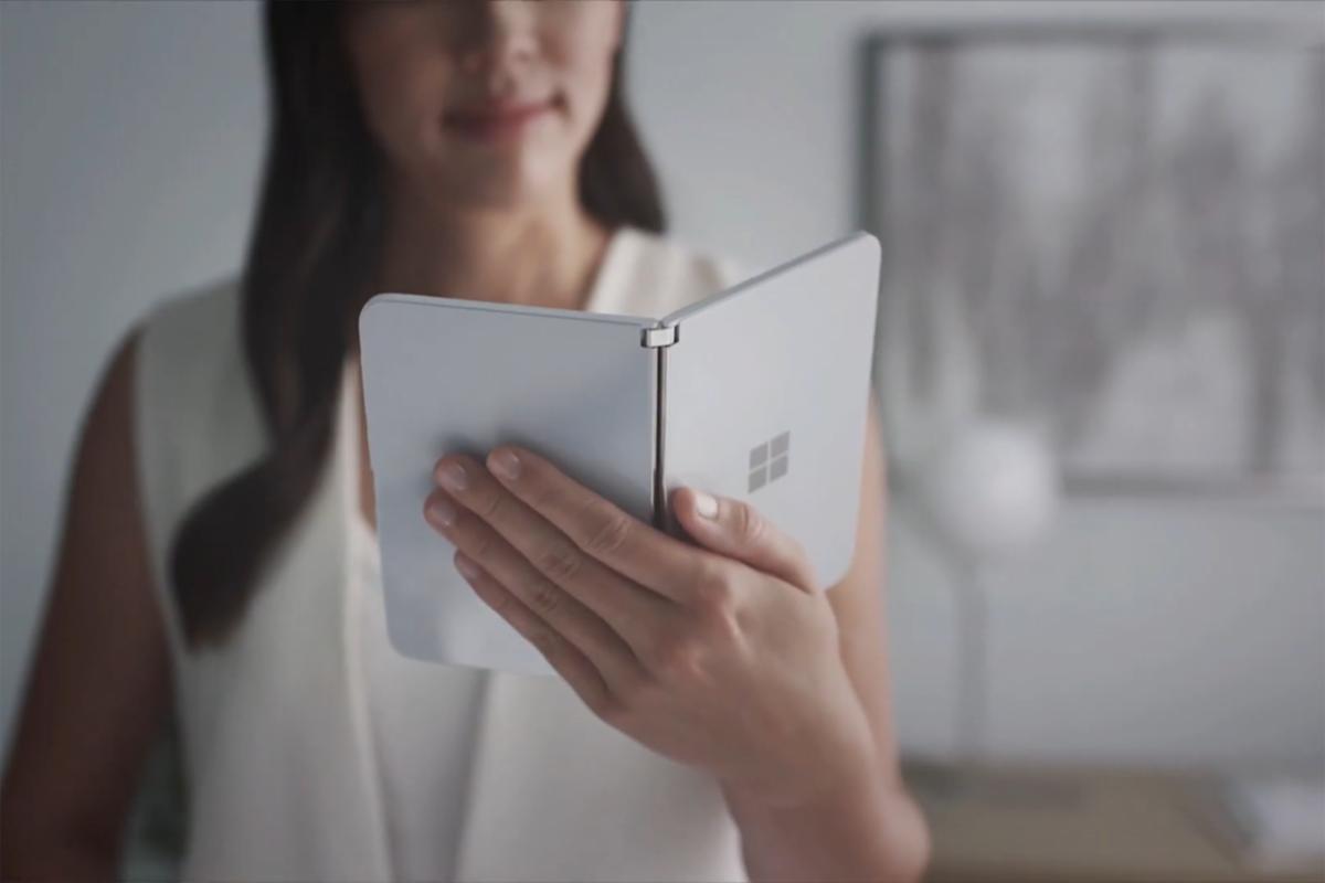 Surface Duo, 'Çok Üst Düzey' Bir Kameraya Sahip Olacak