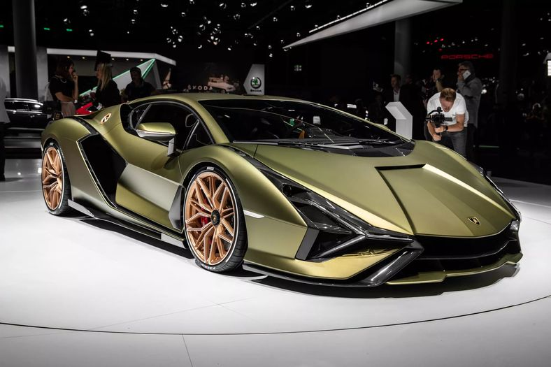 Lamborghini Is Sending Carbon Fiber To The International Space Station.