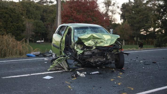 kaza yapmış araç