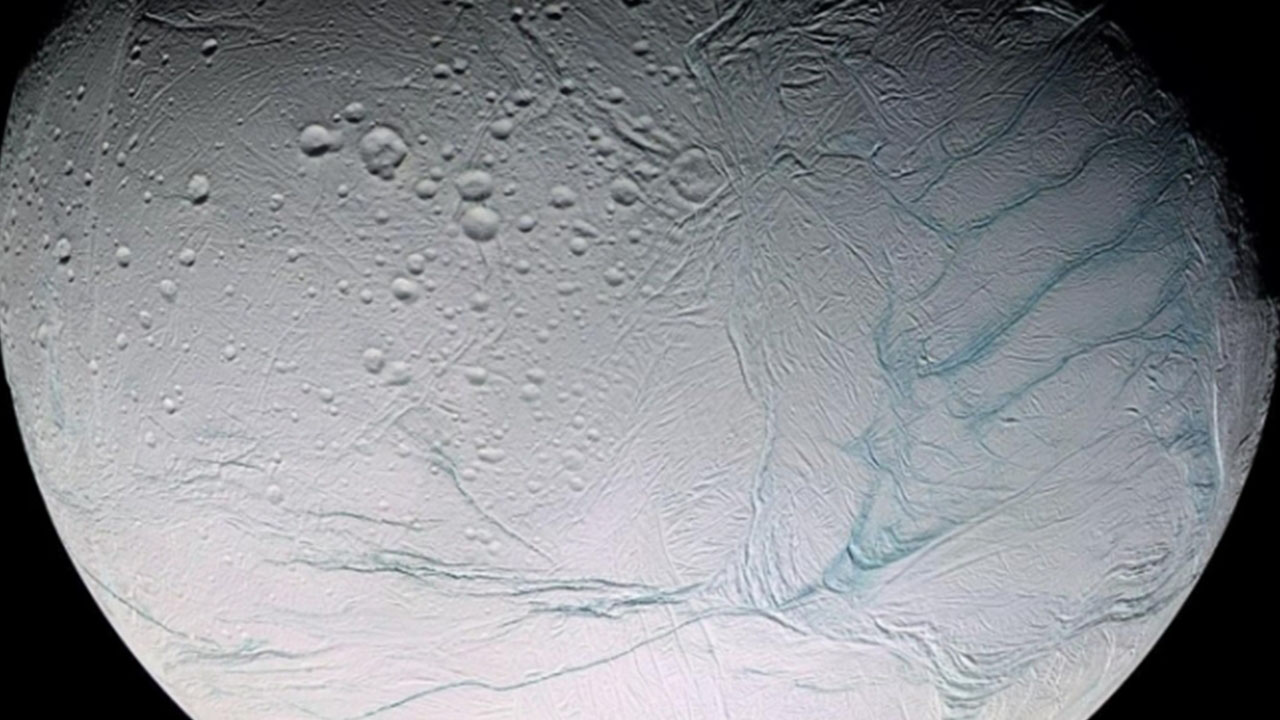 satürn uydusu