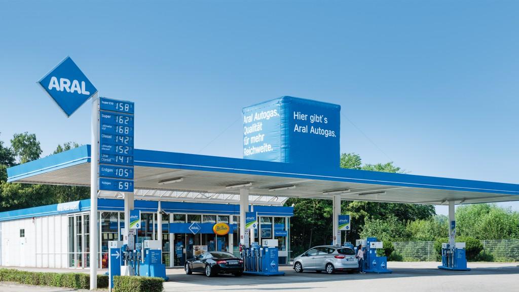 almanya benzin istasyonu
