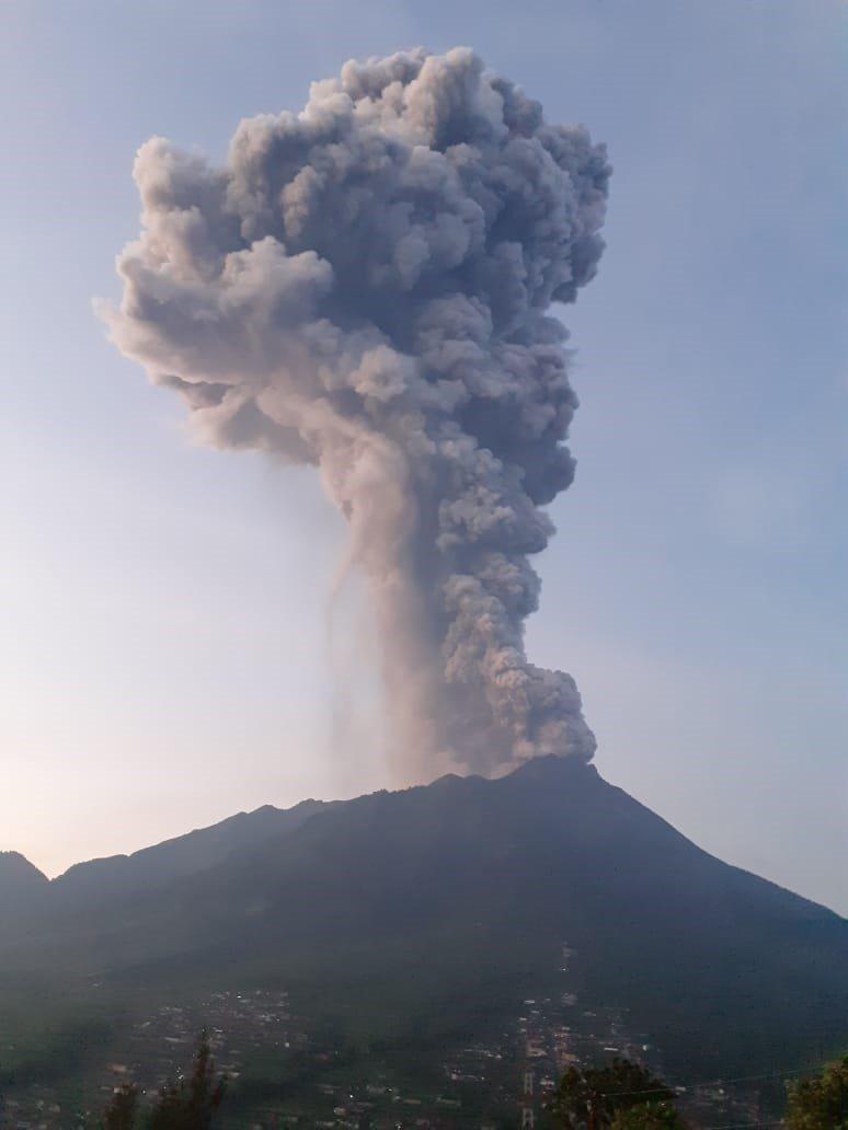 endonezya yanardağ