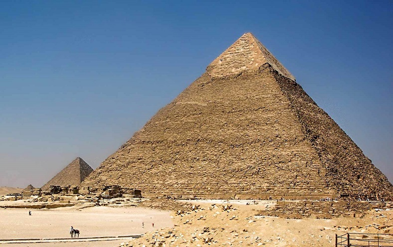 büyük giza piramidi