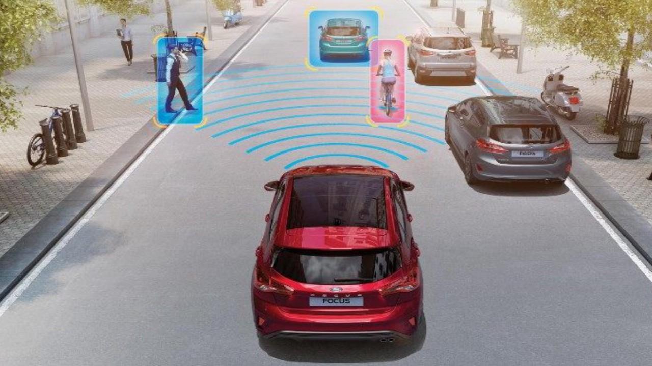 Ford focus 2020 yaya ve bisikletli algılama sistemi