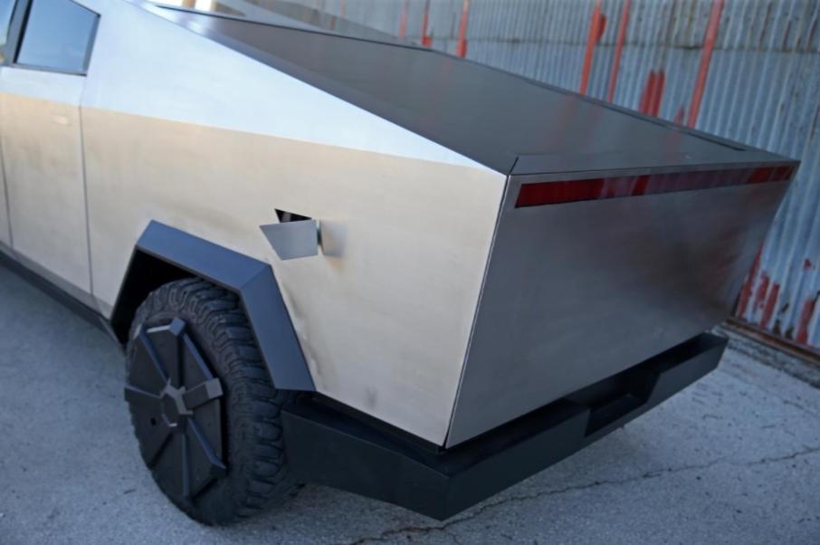 ford f-150 cybertruck