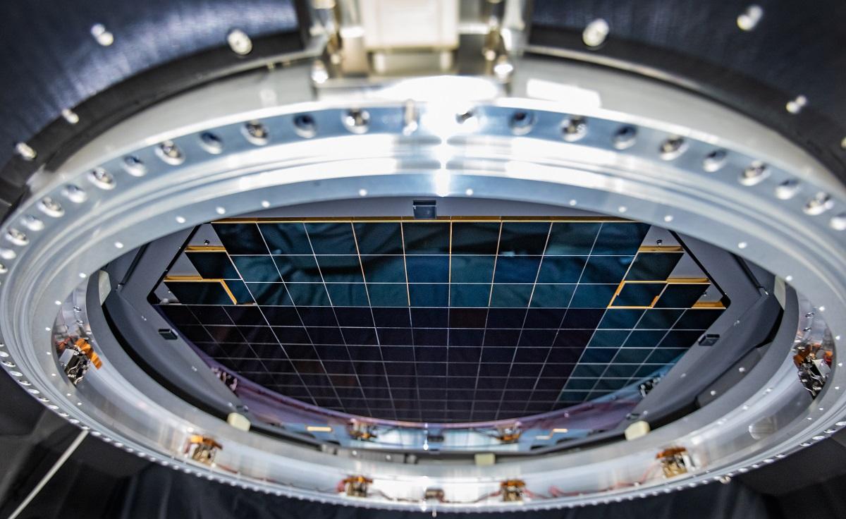 Dünyanın en büyük kamerasının sensörü