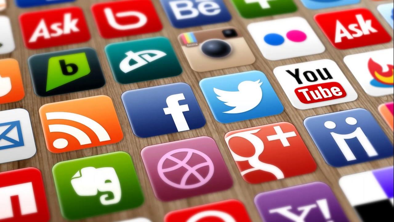sosyal medya uzmanlığı, sosyal medya yöneticiliği