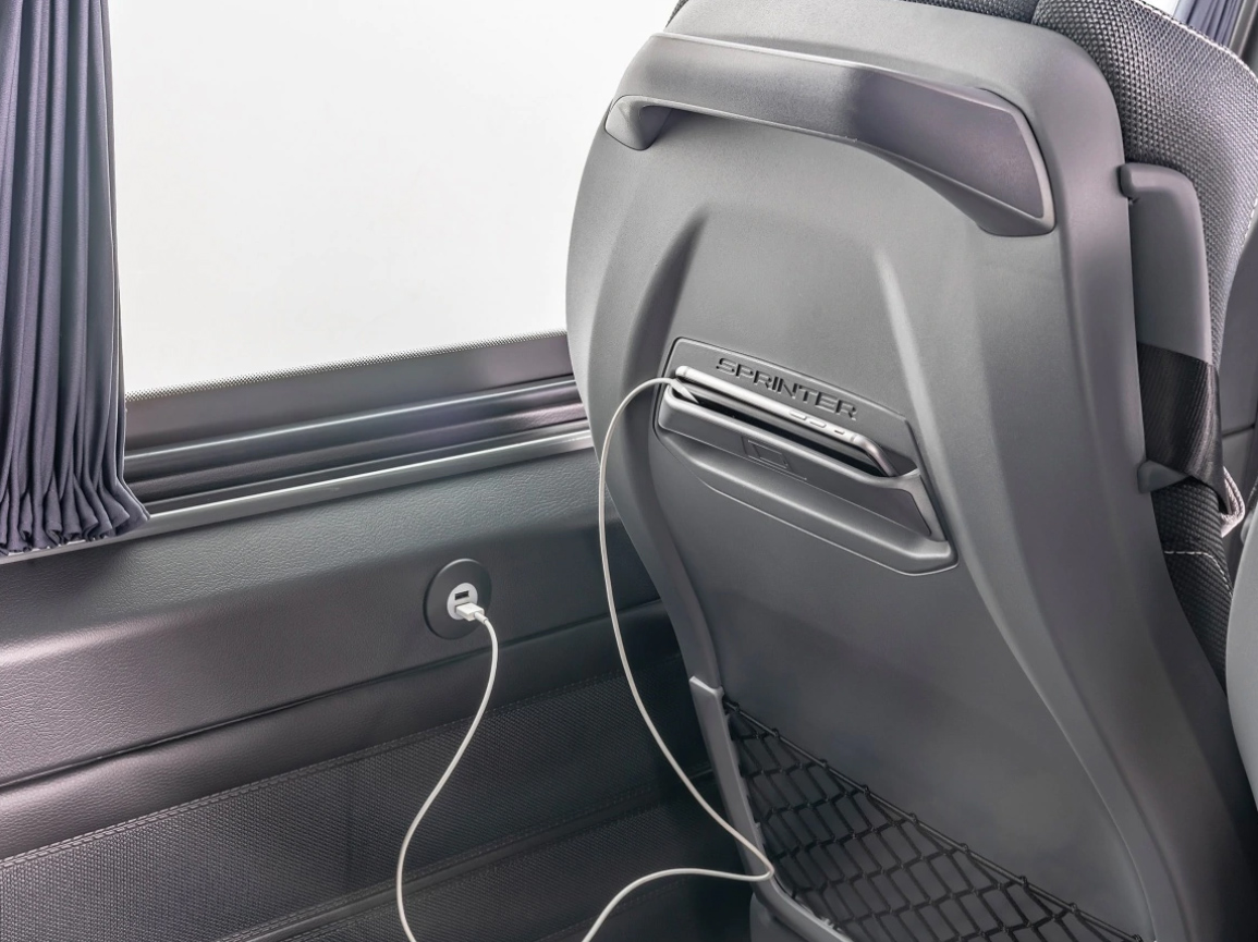 Yeni Mercedes Sprinter Minibus 2021 koltuk