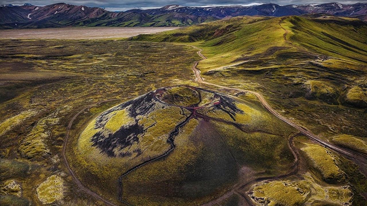 İzlanda volkanik dağ