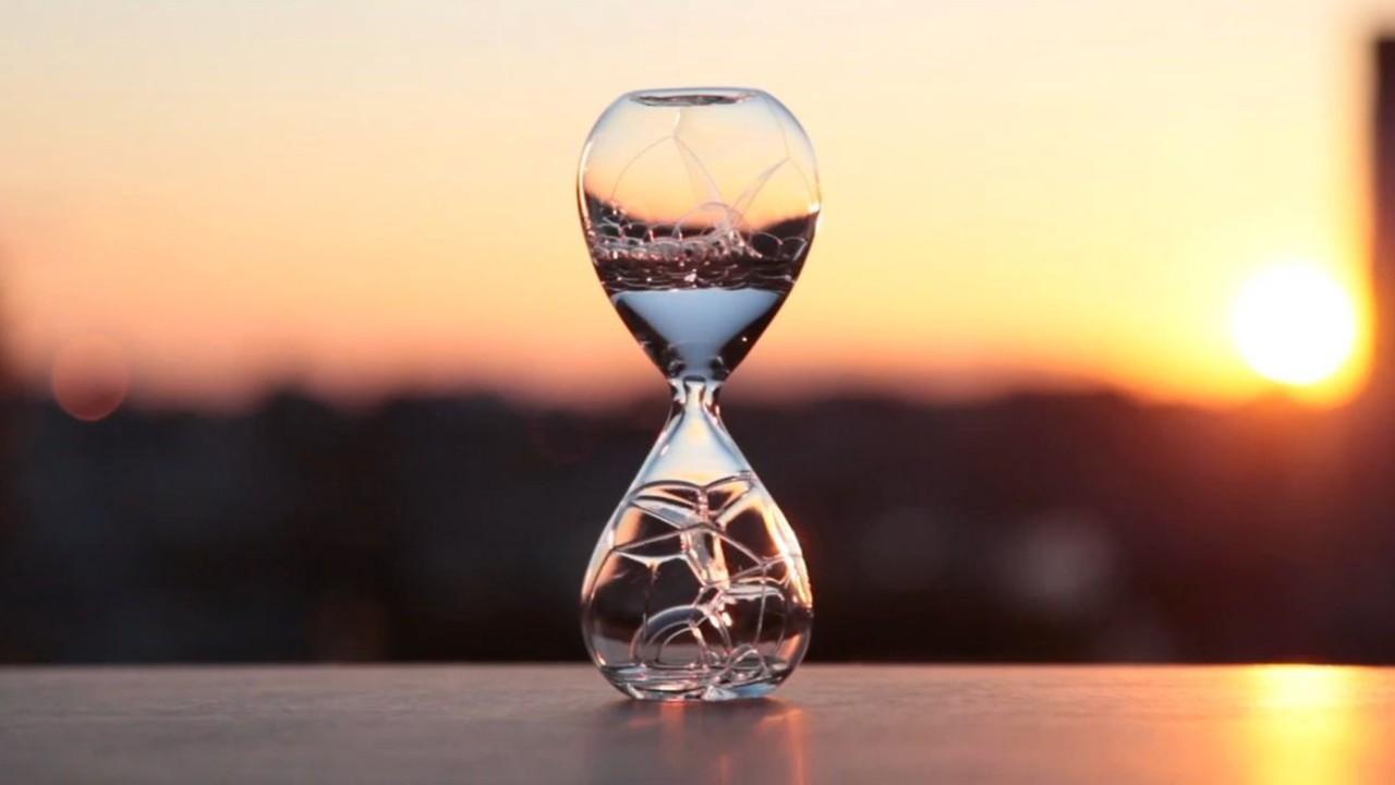 qum saatı