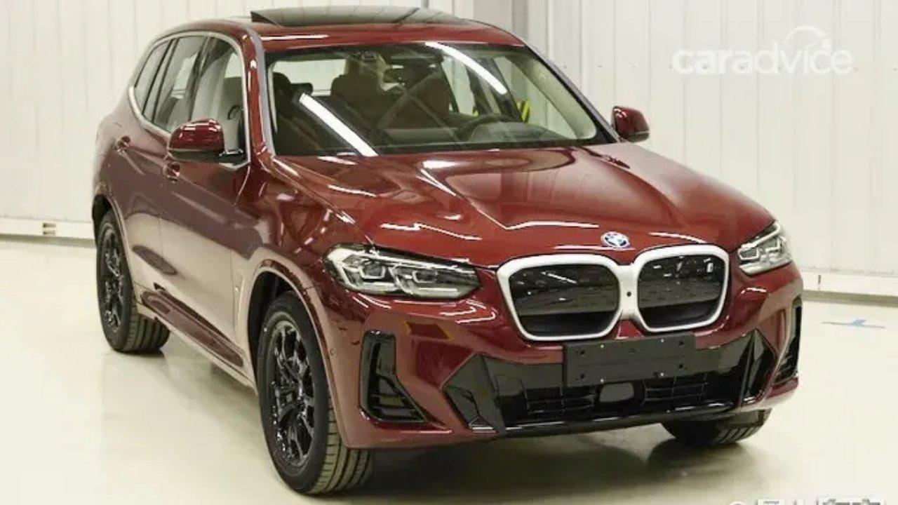 BMW X3 qırmızı ön