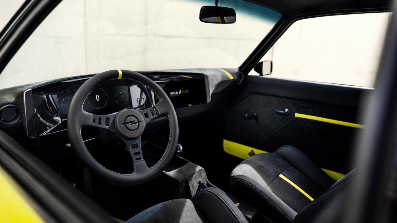 Opel manta Gse salon