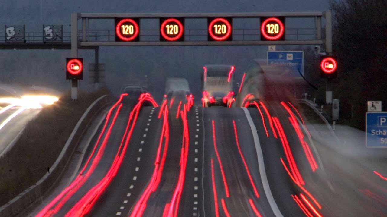 Petrol Lobisi Bunu Beğenmedi: Elektrikli Otomobilleri Kablosuz Şarj Edebilen 'Yol' Geliştirildi
