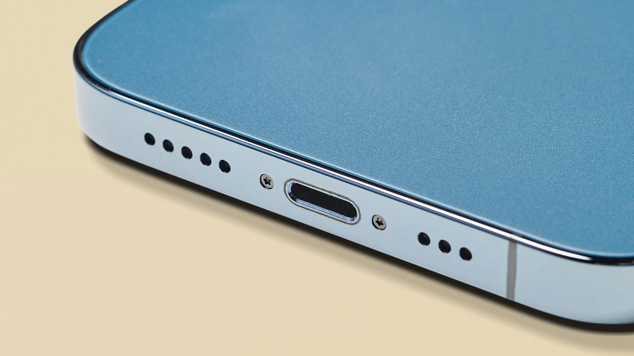 iPhone USB-C