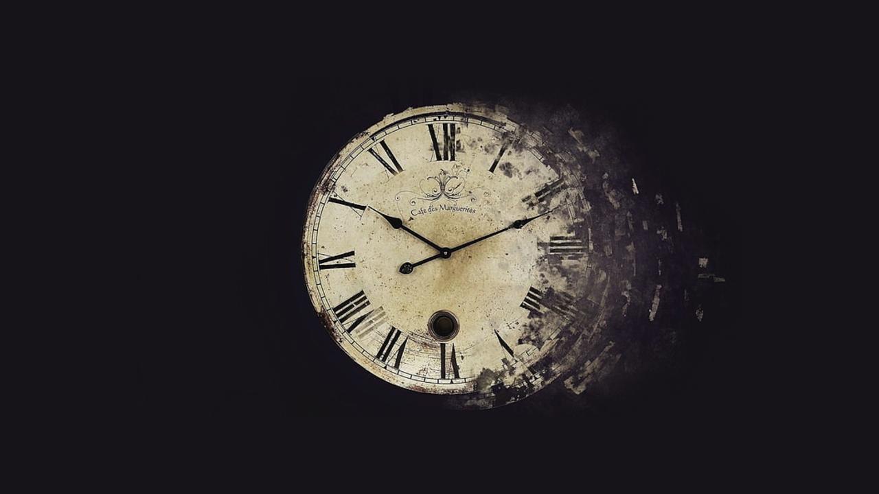 parçalanan bir saat