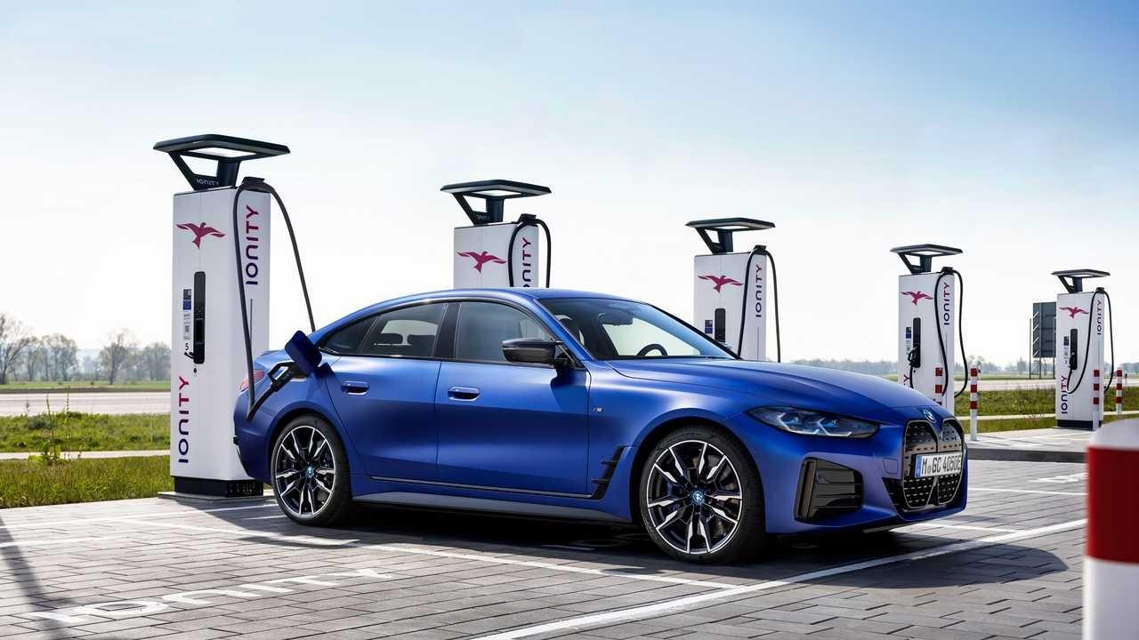 Yeni BMW i4